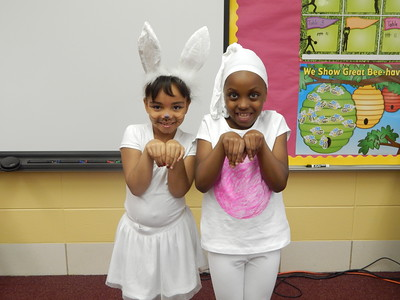 1st Grade  - Costumed in May